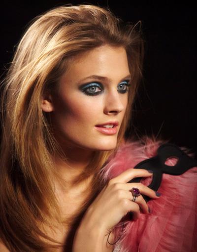 Estee-Lauder-Spring-2013-Pretty-Naughty-Collection-Model